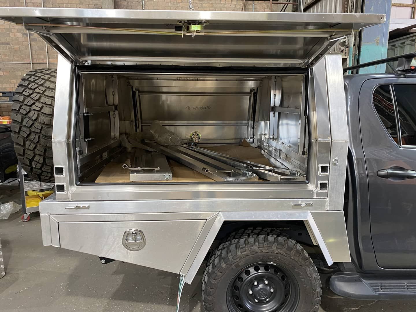 FULLY CUSTOM BUILT TRAY AND Jack-off Partial CANOPY - 2 (1)