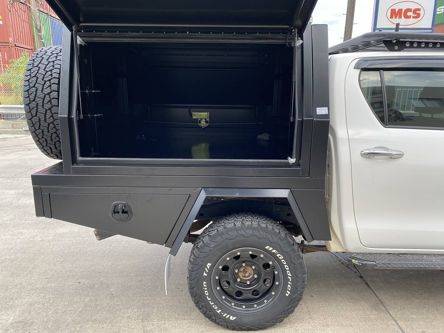 FULLY CUSTOM BUILT TRAY AND Partial CANOPY - 4 (6)