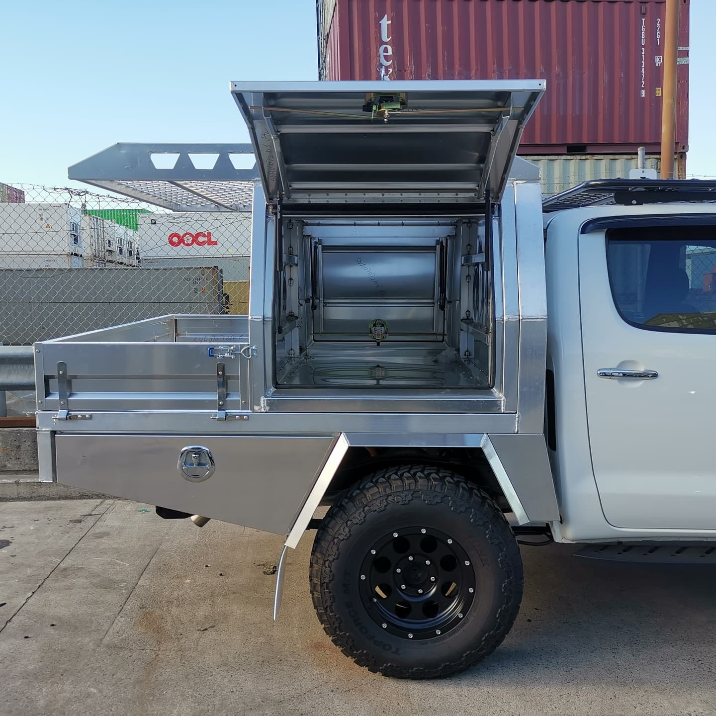 FULLY CUSTOM BUILT TRAY AND Partial CANOPY - 6 (4)